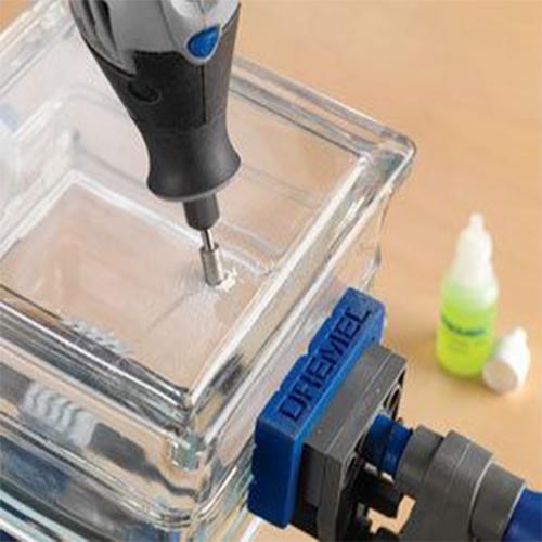 taladrando el vidrio con brocas especiales en OFERTA debrocas